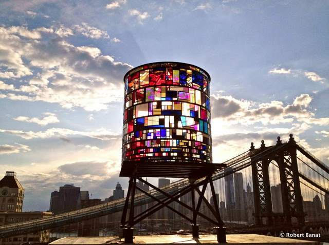 Tom-Fruin_Watertower_Brooklyn-Bridge-Park